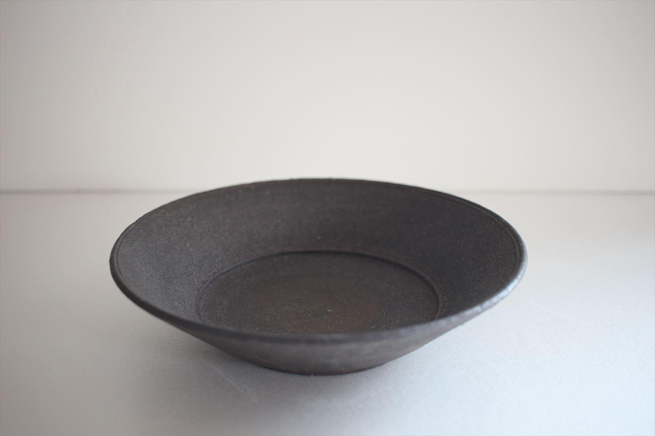 平鉢6寸リム 黒釉