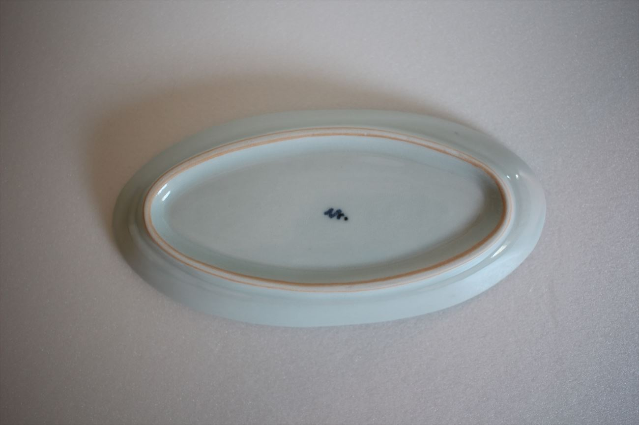 蝶文だ円皿