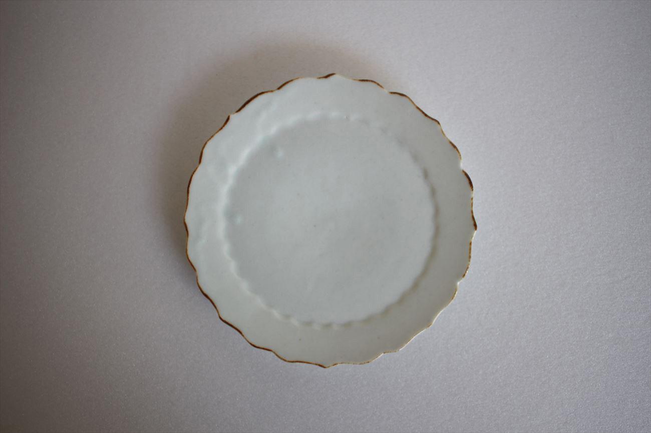 白瓷四寸輪花皿