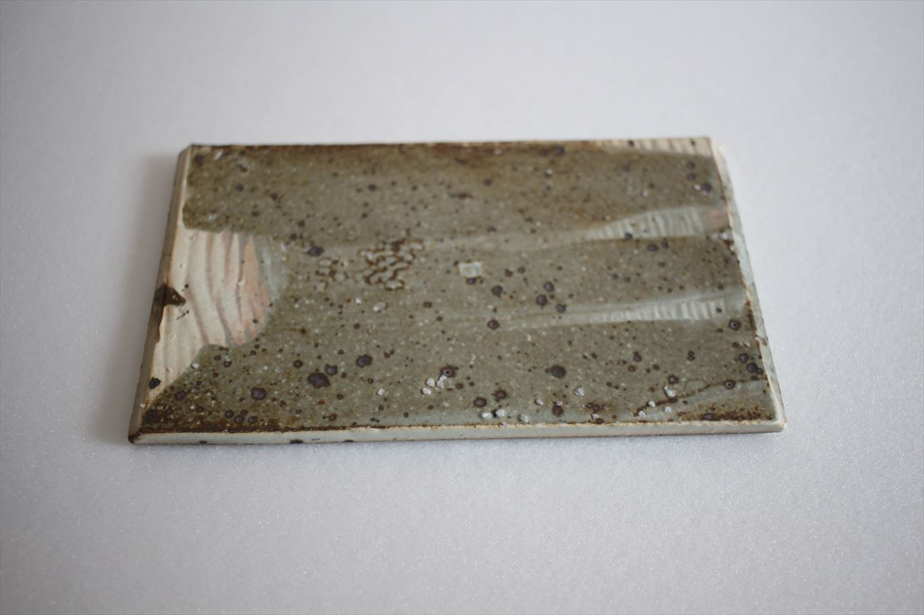 粉引懐紙型板皿
