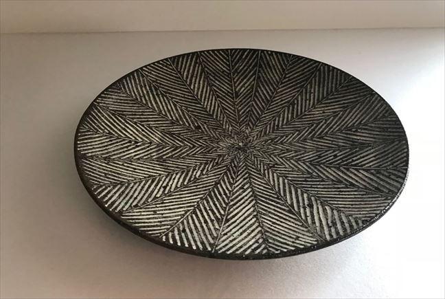三島ケーキ皿(ヘリンボーン白)