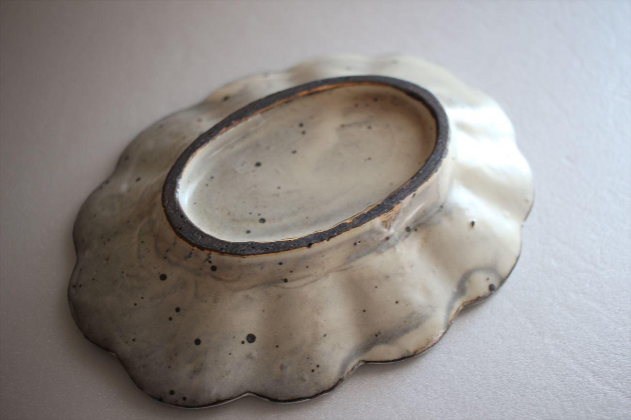 粉引5.5寸楕円輪花皿