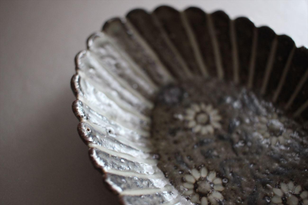 象嵌菊形小皿