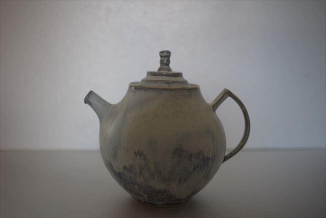 チタン釉ポット(中)